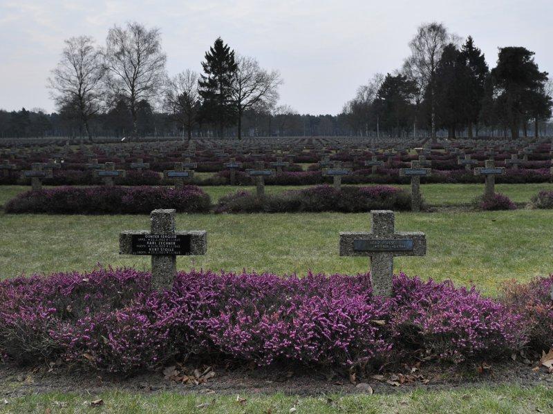 129-kerkhof Lommel_129